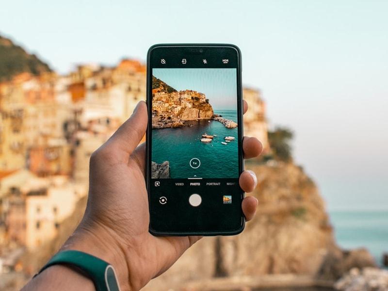 Comment utiliser son cellulaire en voyage
